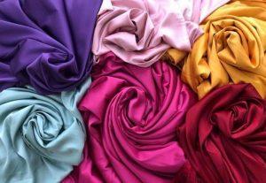 vải lụa may quần áo